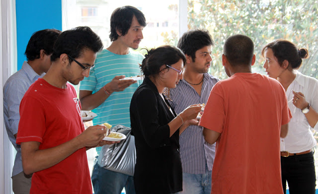 Cloudworkers having snacks